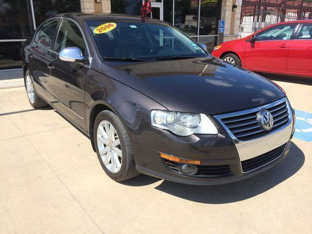 2006: Volkswagen, Passat, 3.6 Luxury Pkg, Sedan
