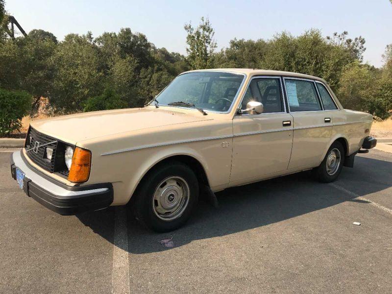 1977 Volvo 244