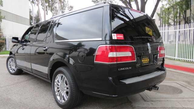 2007 Lincoln Navigator Limousine