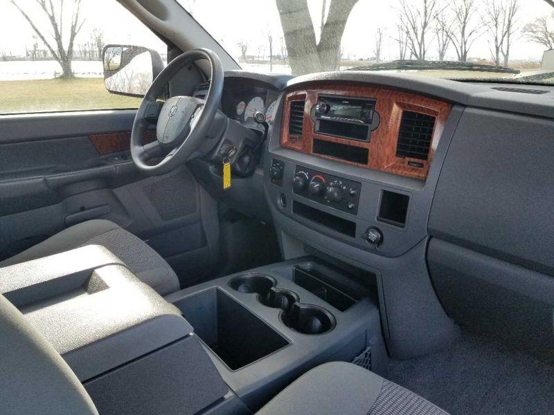 2006 Dodge Ram Pickup 2500
